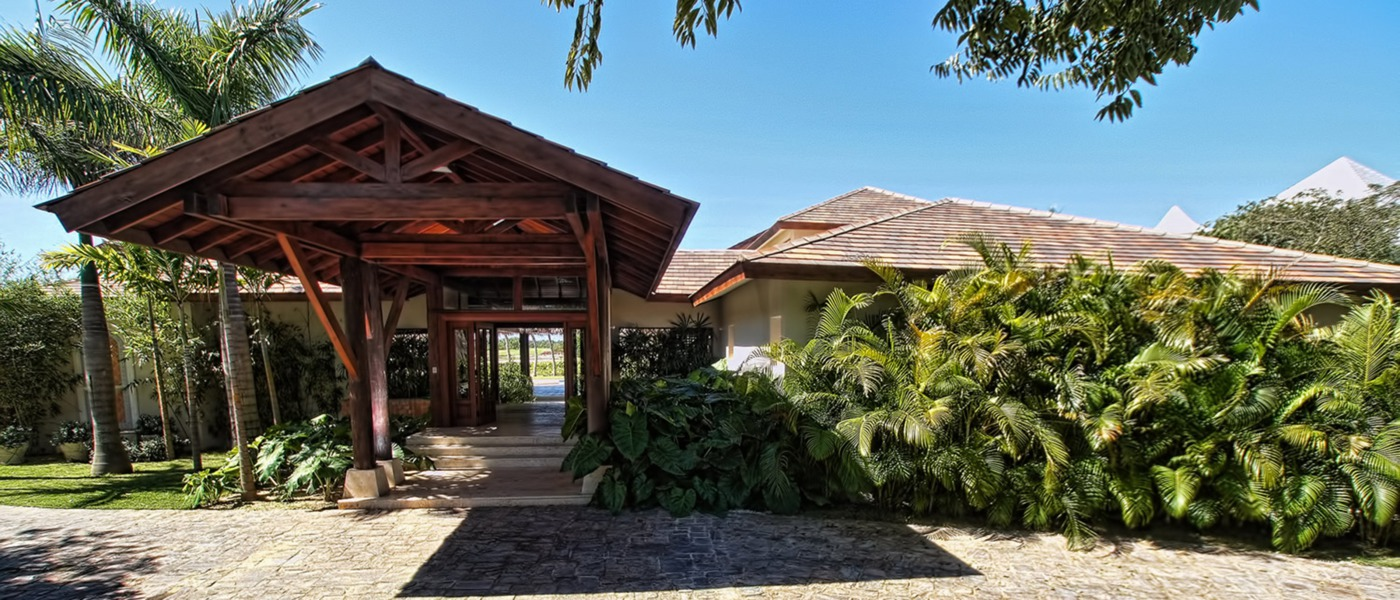 Luxury homes and villas in the dominican republic for Classic home villa collection