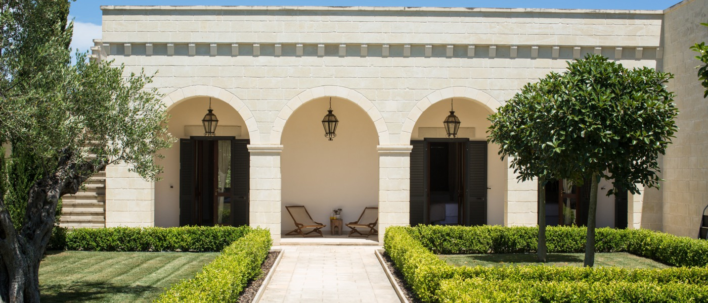 Luxury homes and villas in puglia and italy for Classic home villa home collection